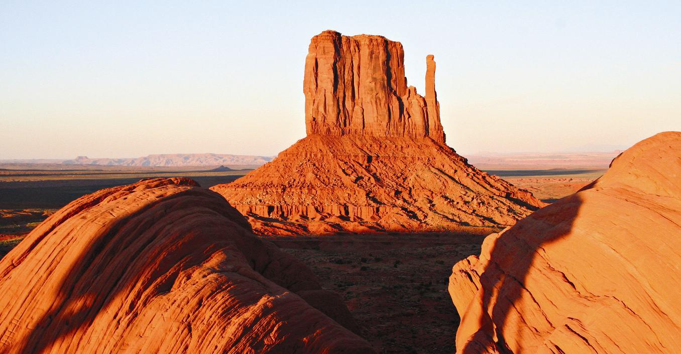 Ke slavným národním parkům na severoamerickém kontinentu patří i Monument Valley.