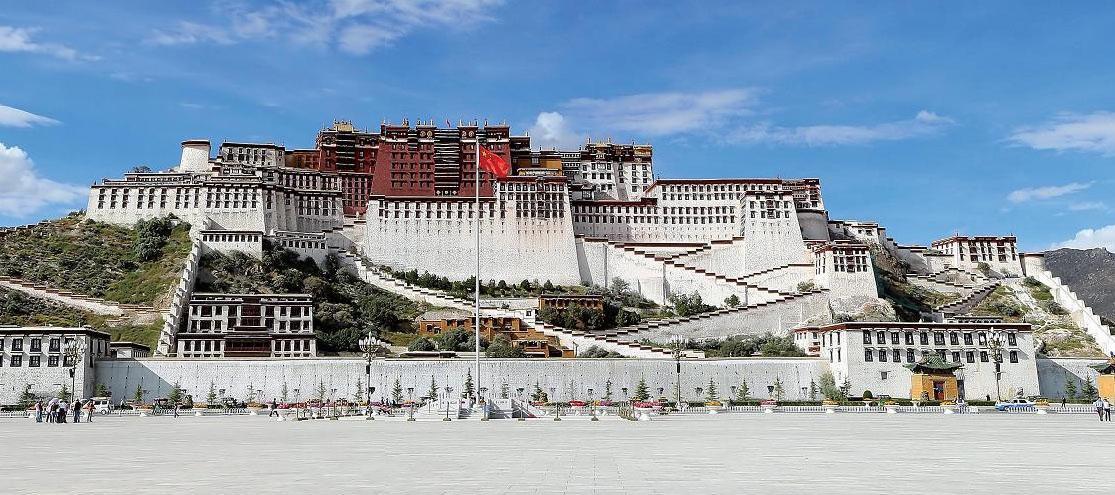 Potála patří k nejkrásnějším stavbám v Tibetu