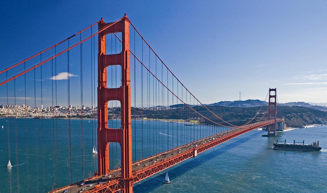 Golden Gate Bridge je symbolem San Franciska ale i nejčastějším místem sebevražd v USA.