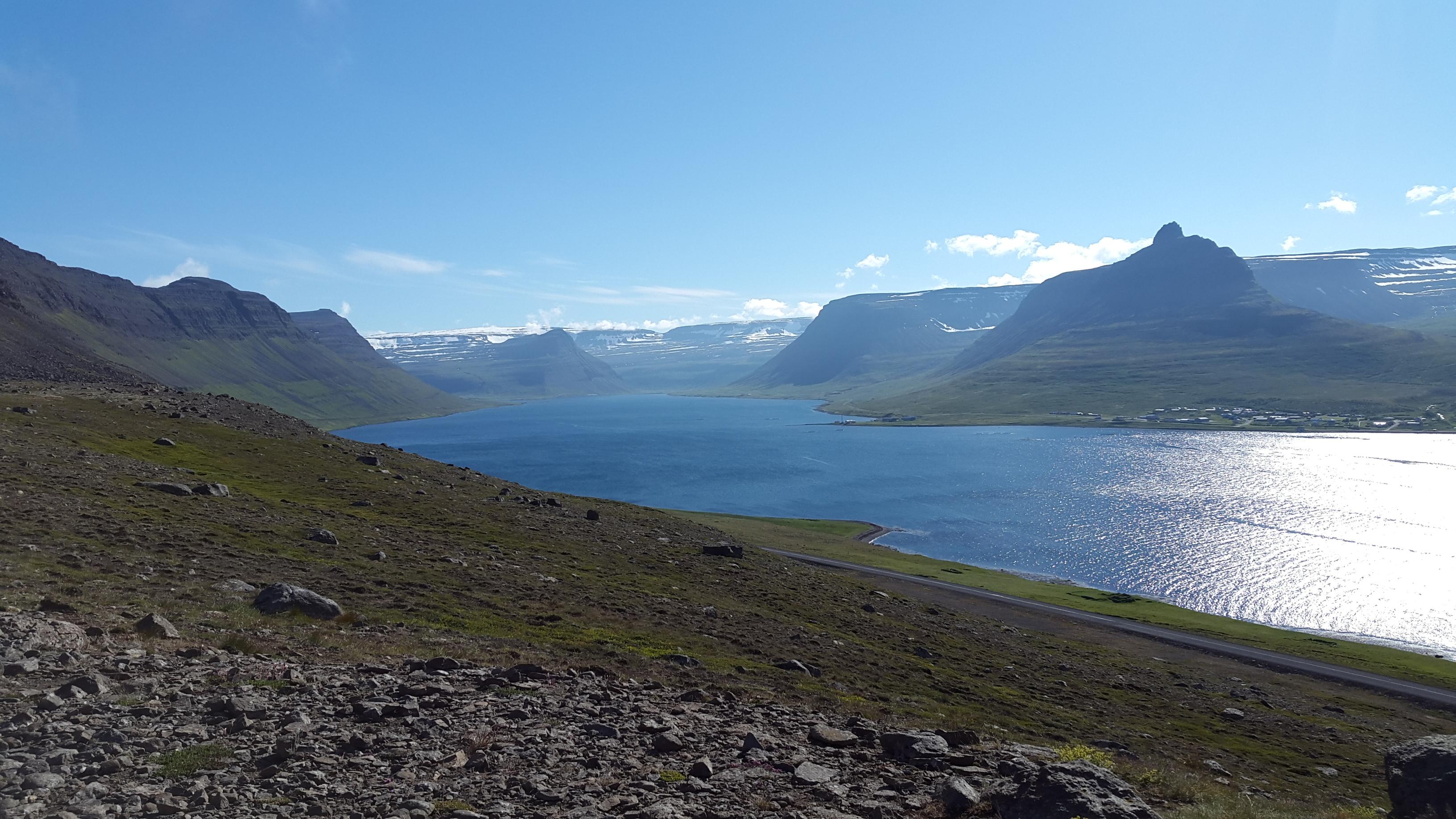 Typická islandská krajina nikdy neomrzí.
