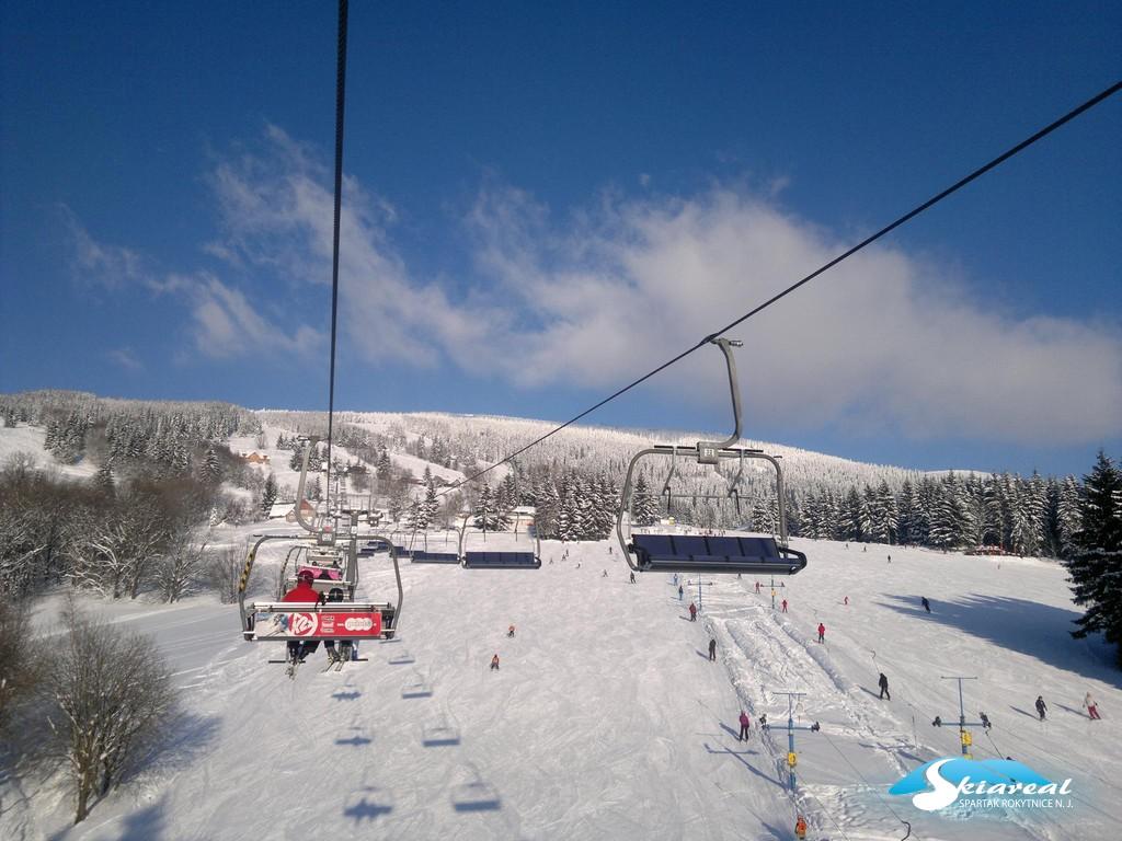 V Rokytnici to stojí za to. Nejlíp to vědí v Libereckém kraji, ale rádi sem zajedou lyžaři i ze vzdálených koutů republiky.