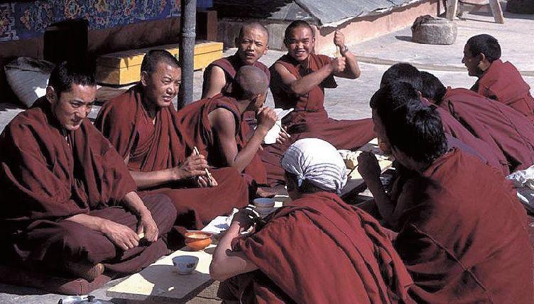 tibet-mniši