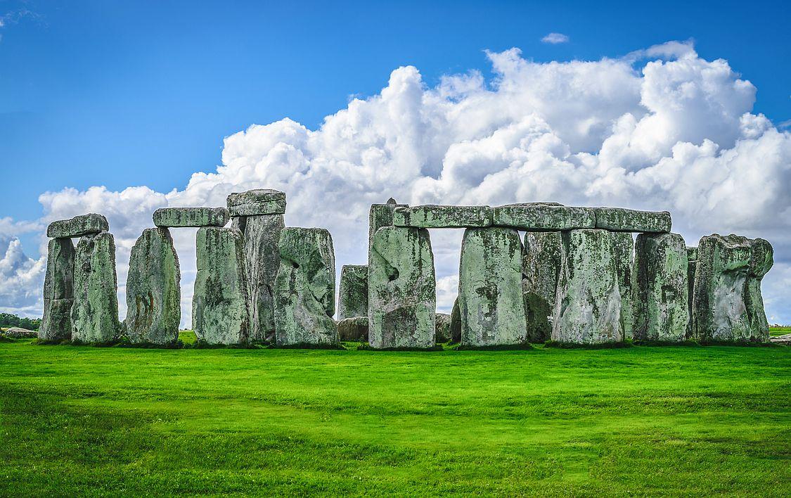 Kamenné monumenty zdobí okolí města Salisbury už pěkně dlouho. Nejmladší části Stonehenge jsou podle odhadů vědců staré 3600 let.