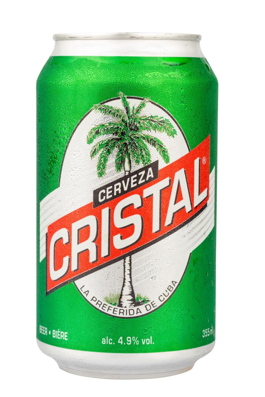Oblíbené pivo na Kubě značky Cristal.