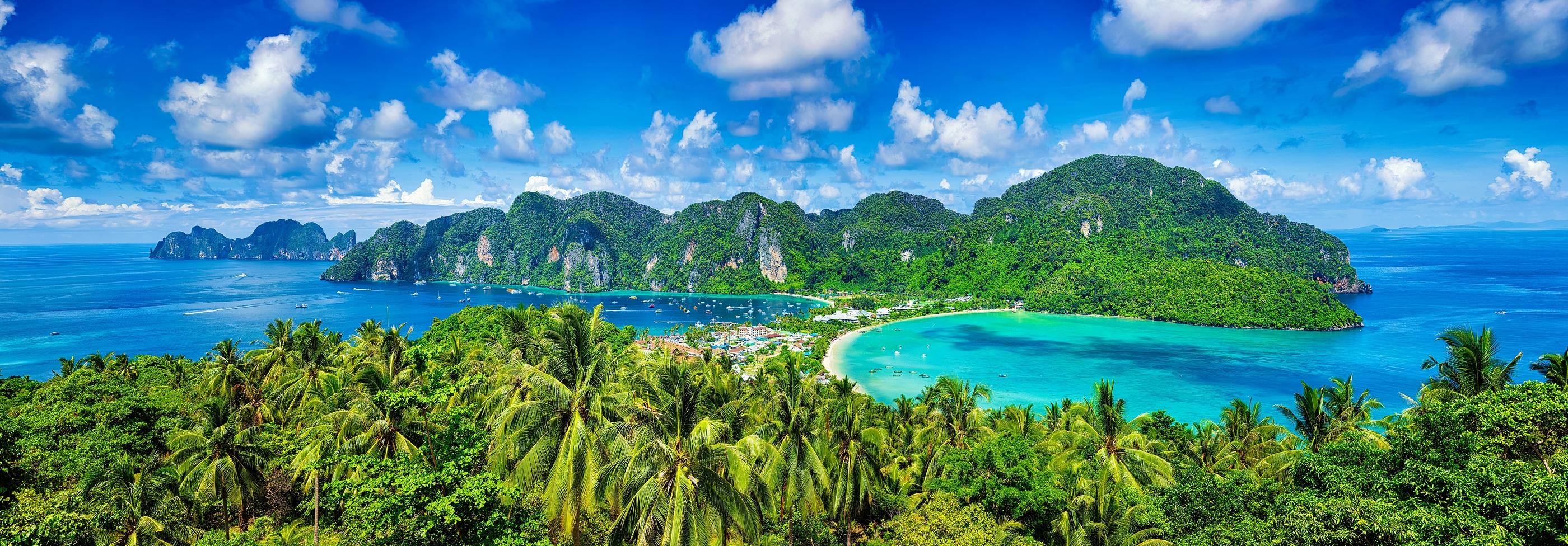 Také thajský ostrov Phi Phi patří k oblíbeným destinacím českých hvězd.
