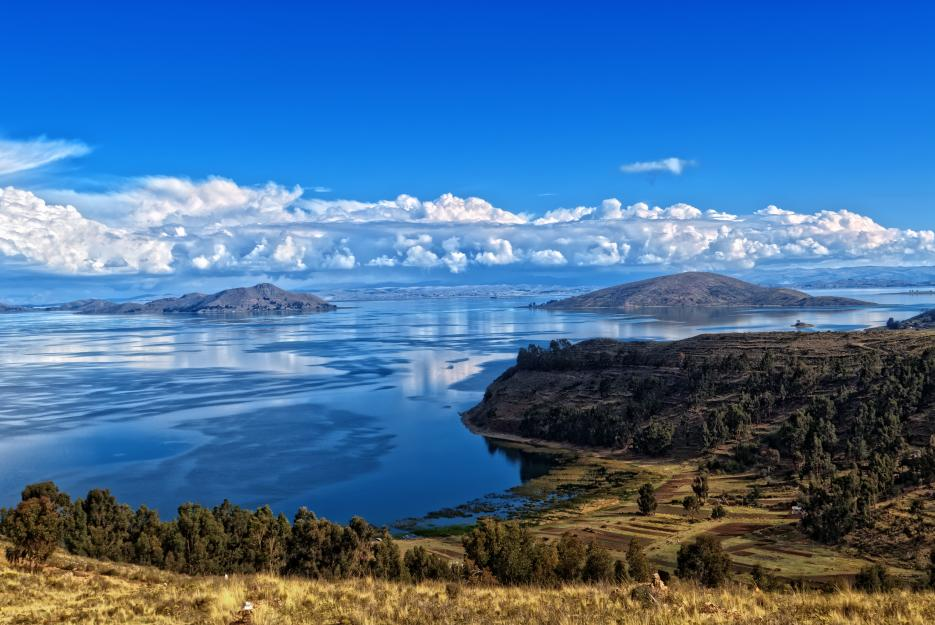 Jezero Titicaca leží na hranicích Bolívie a Peru.