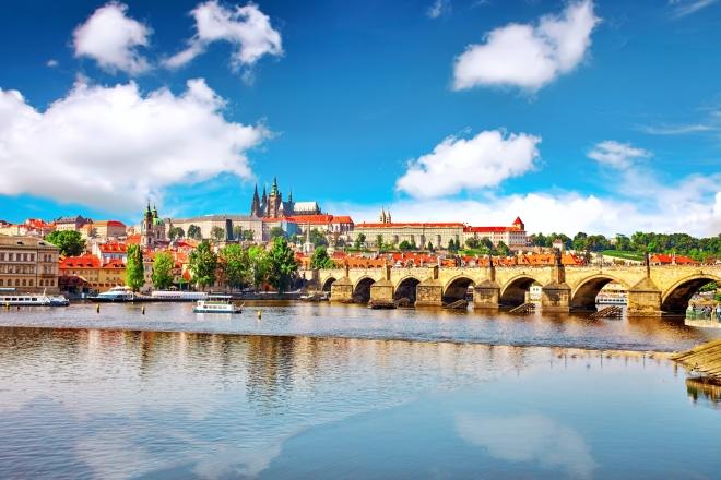 Nikam v celé republice nechodí turisté častěji než na Pražský hrad.