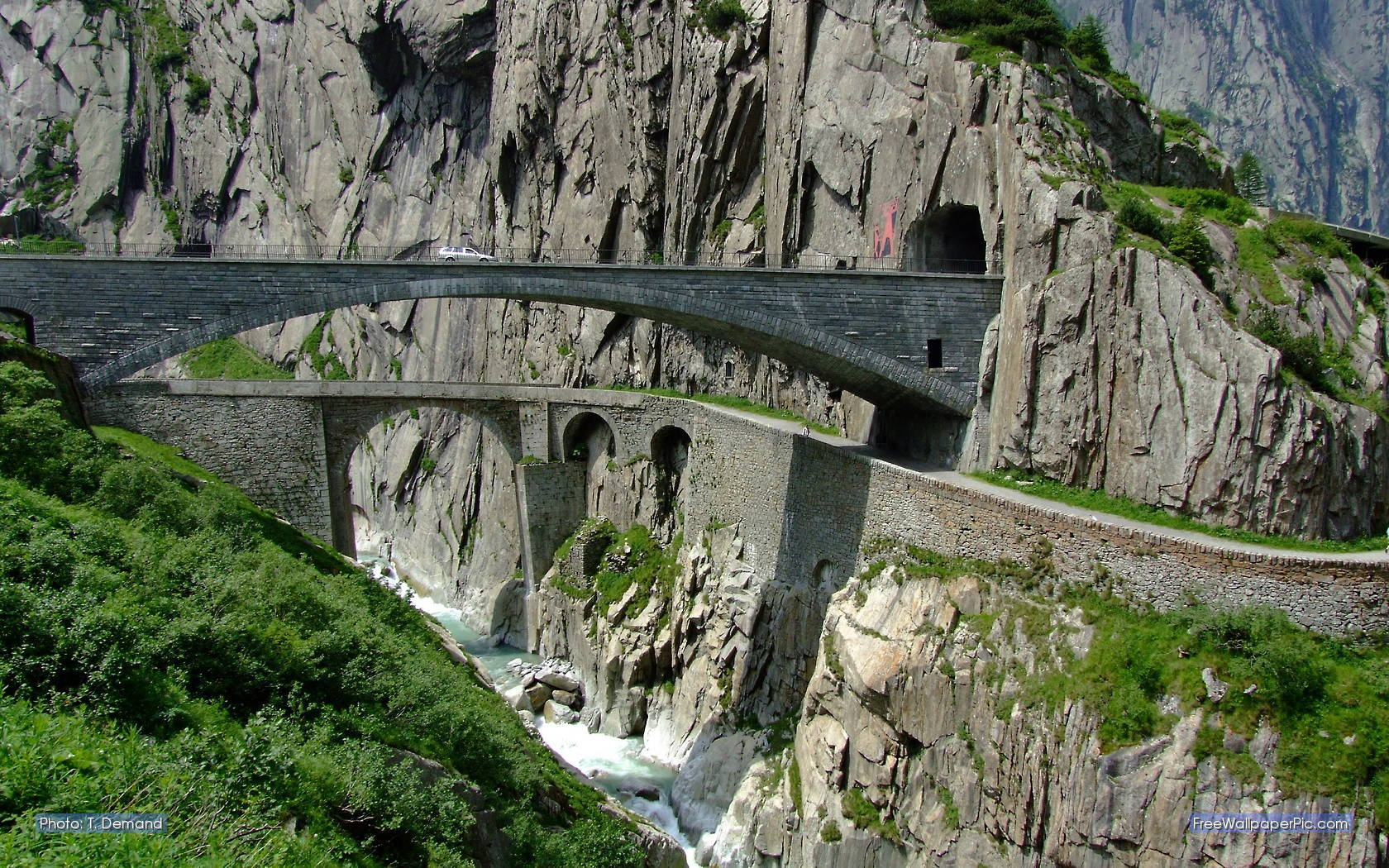 Slavný Ďáblův most v Gotthardském průsmyku ve Švýcarsku