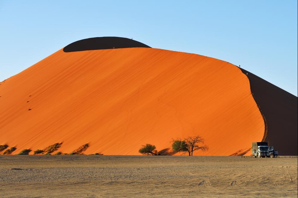 Poušti Namib se také říká červená perla Namíbie.