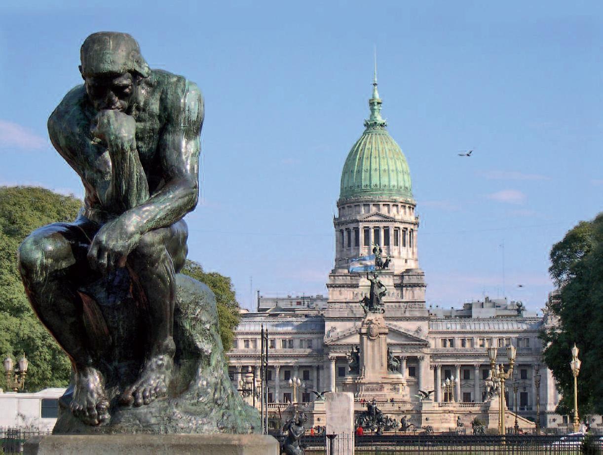 Socha je zamyšlená právem, vždyť krach Argentiny předznamenal světovou hospodářskou krizi. Při fotbale a tanci ale Argentinci na všechny starosti zapomínají a vytvářejí během těchto radovánek jedinečnou atmosféru země.