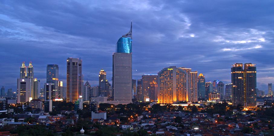 Jakarta je město plné kontrastů.