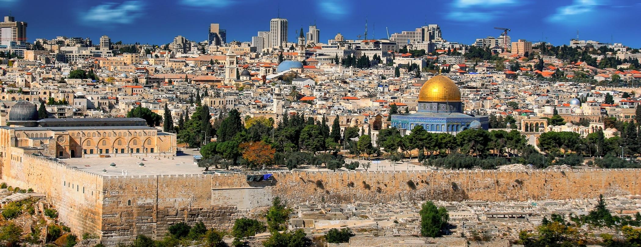 Jerzuálem - město, které je tzv. kulturní křižovatkou 3 světů.