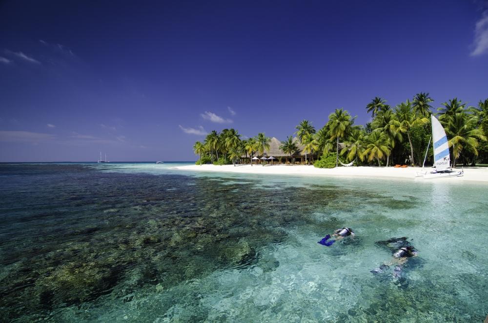 Ostrov Mirihi vítá i všechny nadšence do šnorchlování a potápění.