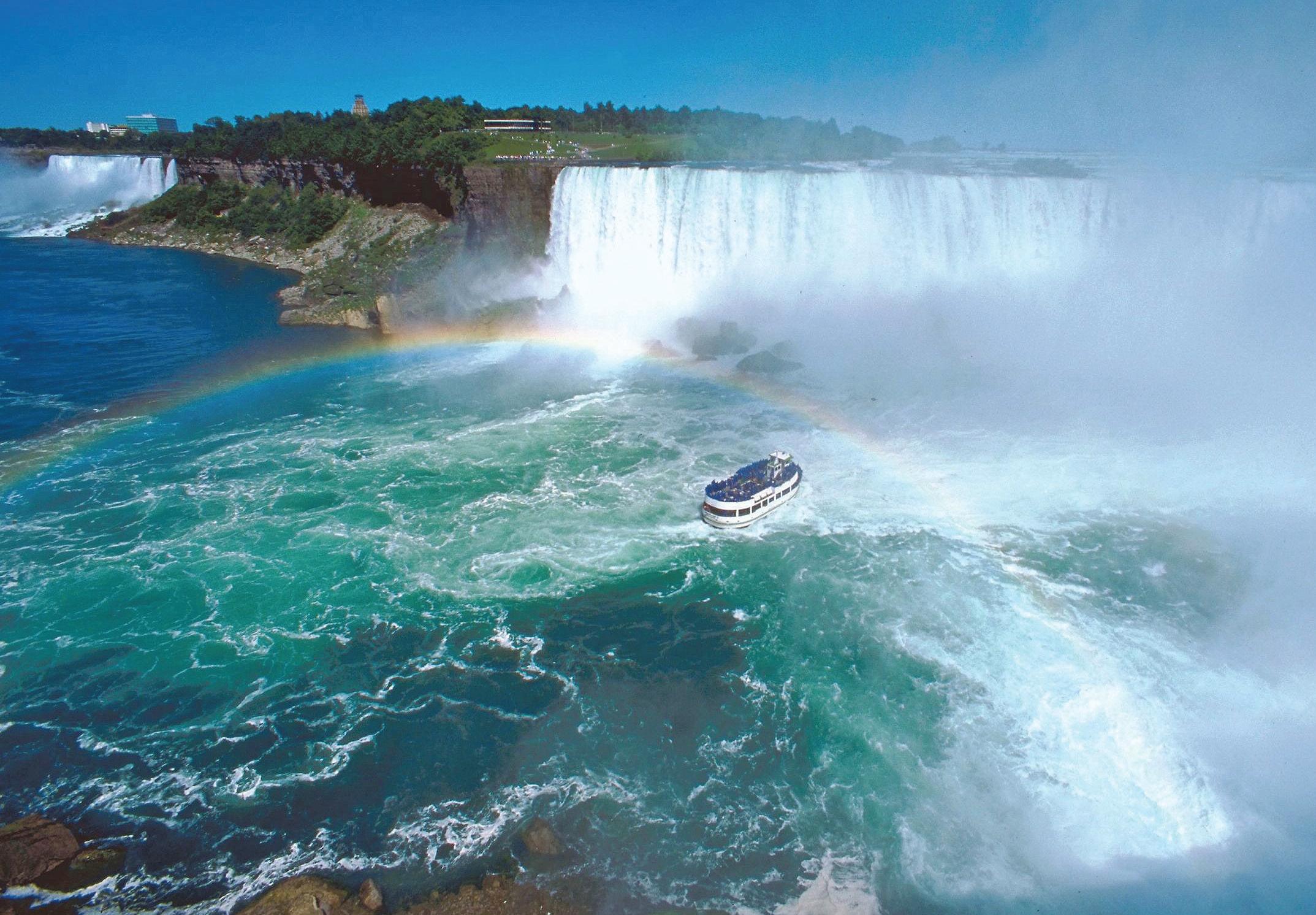 Niagarské vodopády - jedna z nejnavštěvovanějších přírodních atrakcí Ameriky.