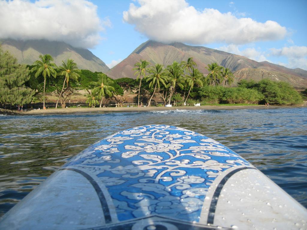Ostrov Maui z pohledu surfaře