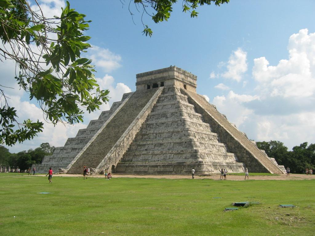 Zažijte na vlastní kůži mystickou atmosféru Chichén Itzá.