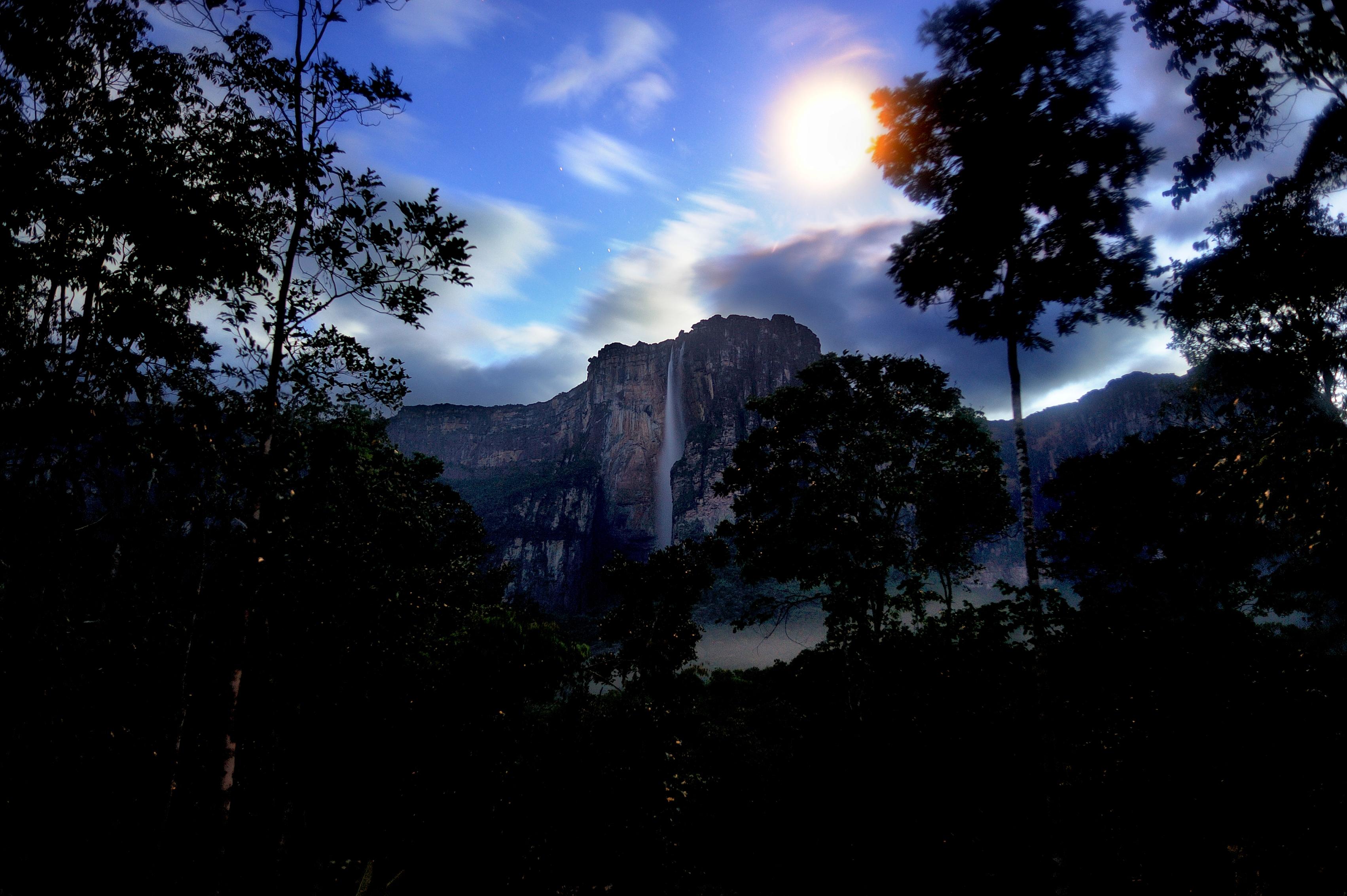 Salto Angel - nejvyšší vodopád planety.