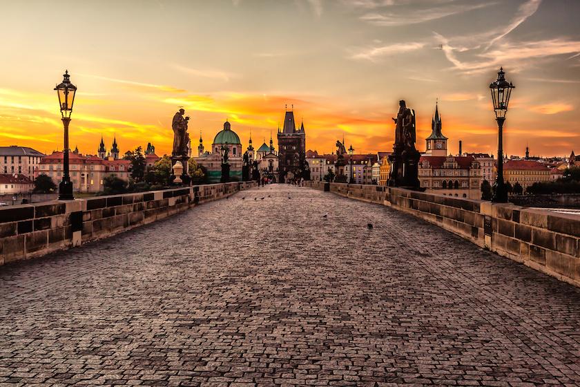 V desítce nejoblíbenějších destivanací je také matička Praha.