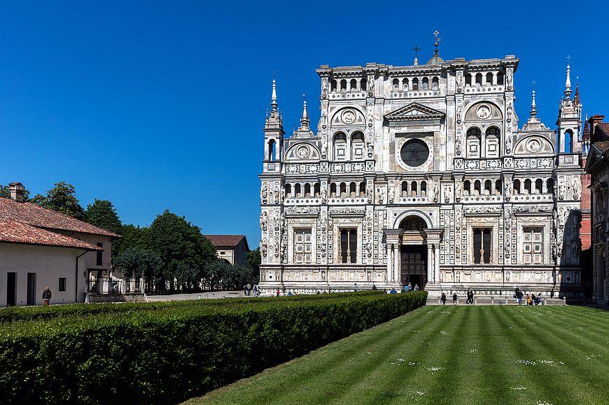 Klášterní komplex Certosa di Pavia v italské Pavii je nejslavnější památkou města.