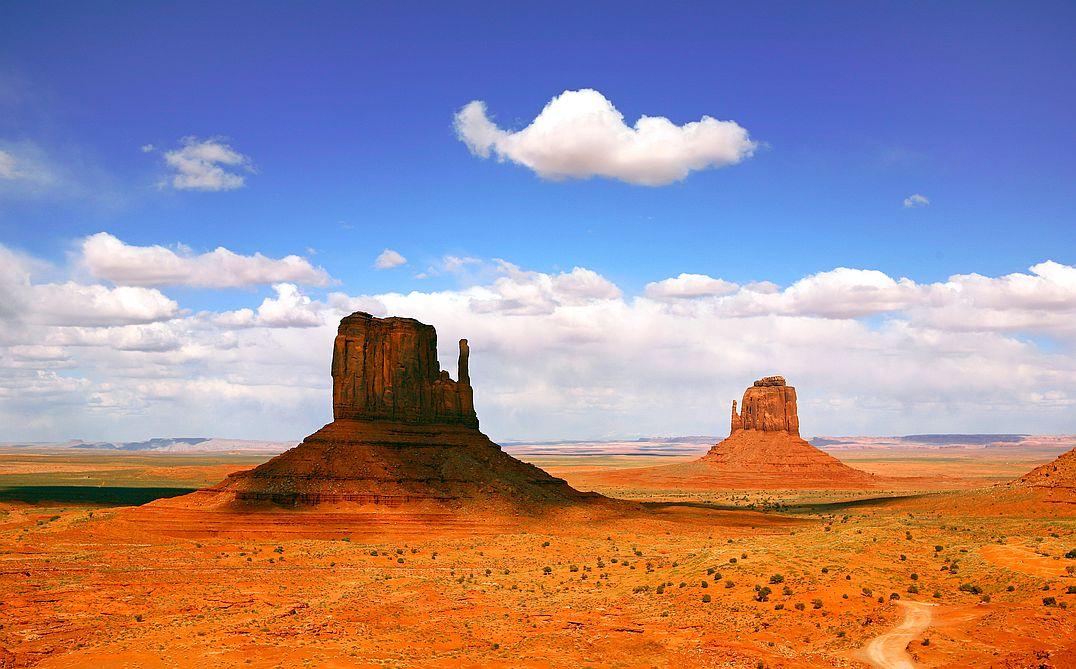 Monument Valley si zahrálo i v mnoha filmech, mimo jiné po něm skákal obrovitý zelený Hulk.