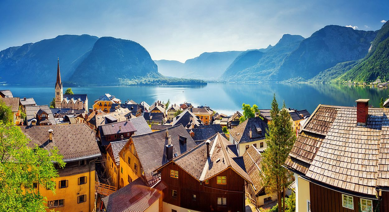 Hallstatt v Rakousku je jedno z nejkrásnějších míst země. Najdeme ho v centrálním Rakousku 180 km od hraničního přechodu Dolní Dvořiště.