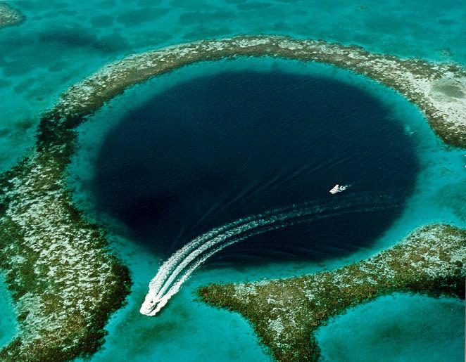 Great Blue Hole vypadá fantasticky.