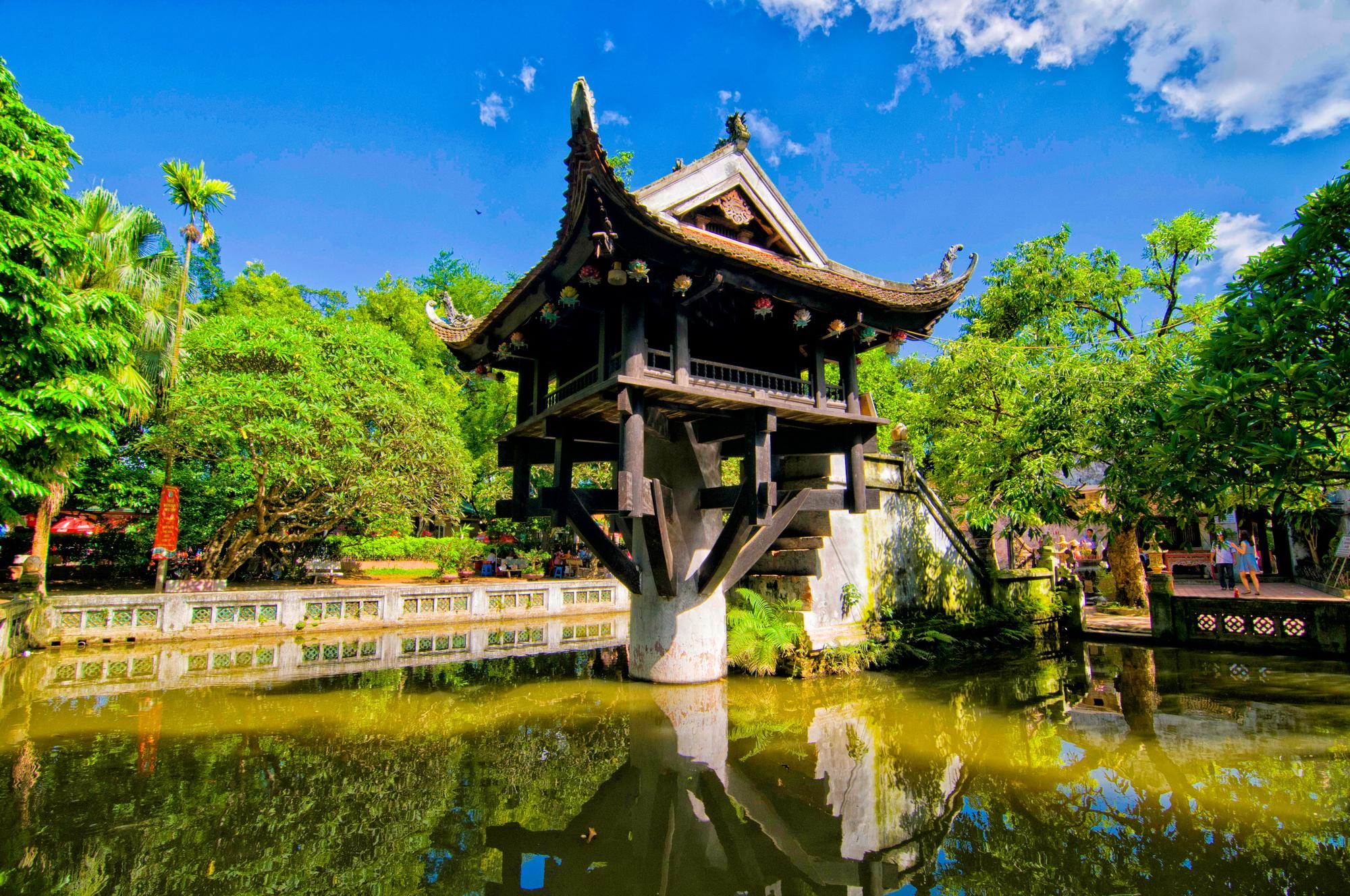 Jednopilířová pagoda stojí v Hanoji skoro tisíc let.
