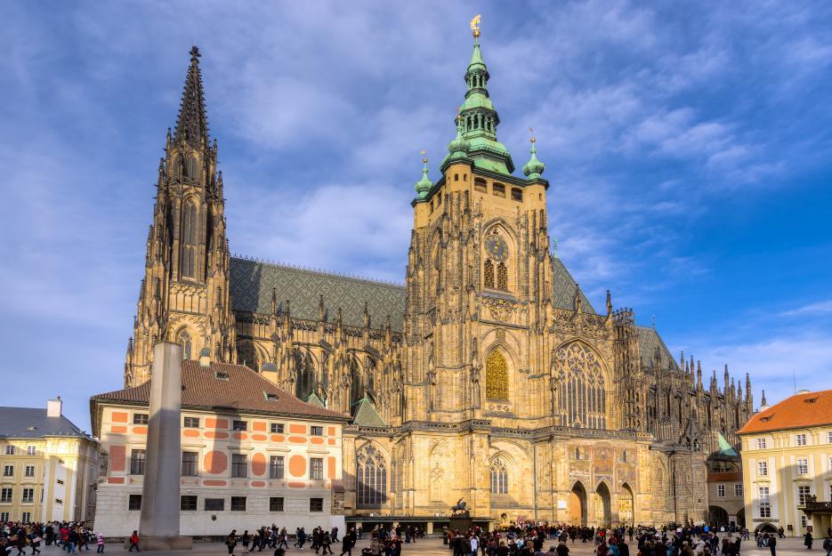 Katedrála svatého Víta je dominanta Pražského hradu.