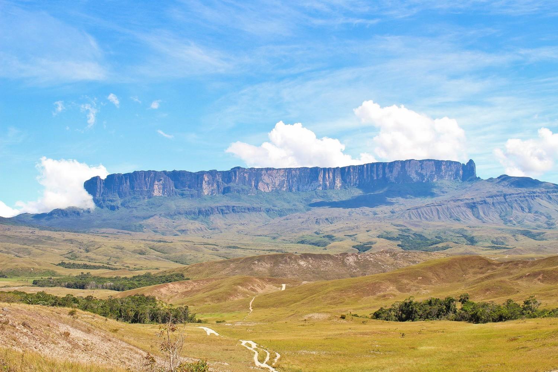 Nádherný útvar čnící 400 metrů nad zemí - přesně to je ona.