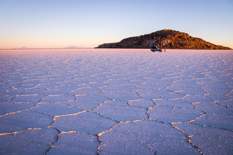 Po největší solné pláni světa se v roce 2015 proháněli jezdci Dakar Rally.