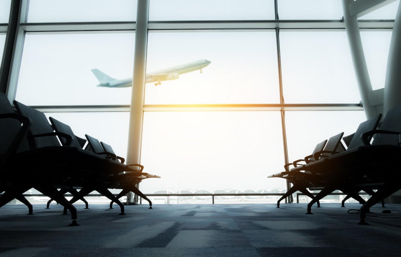 Od roku 2012 museli cestující během letu na Island absolvovat přestup, nejčastěji v Berlíně nebo Kodani.