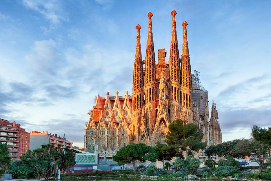 Sagrada Familia je hlavním lákadlem Barcelony. Zajímavostí je tu ale mnohem více.
