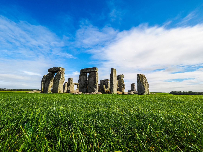 Kdo, jak a proč se postaral o vznik Stonehenge? Můžeme se jen domnívat.