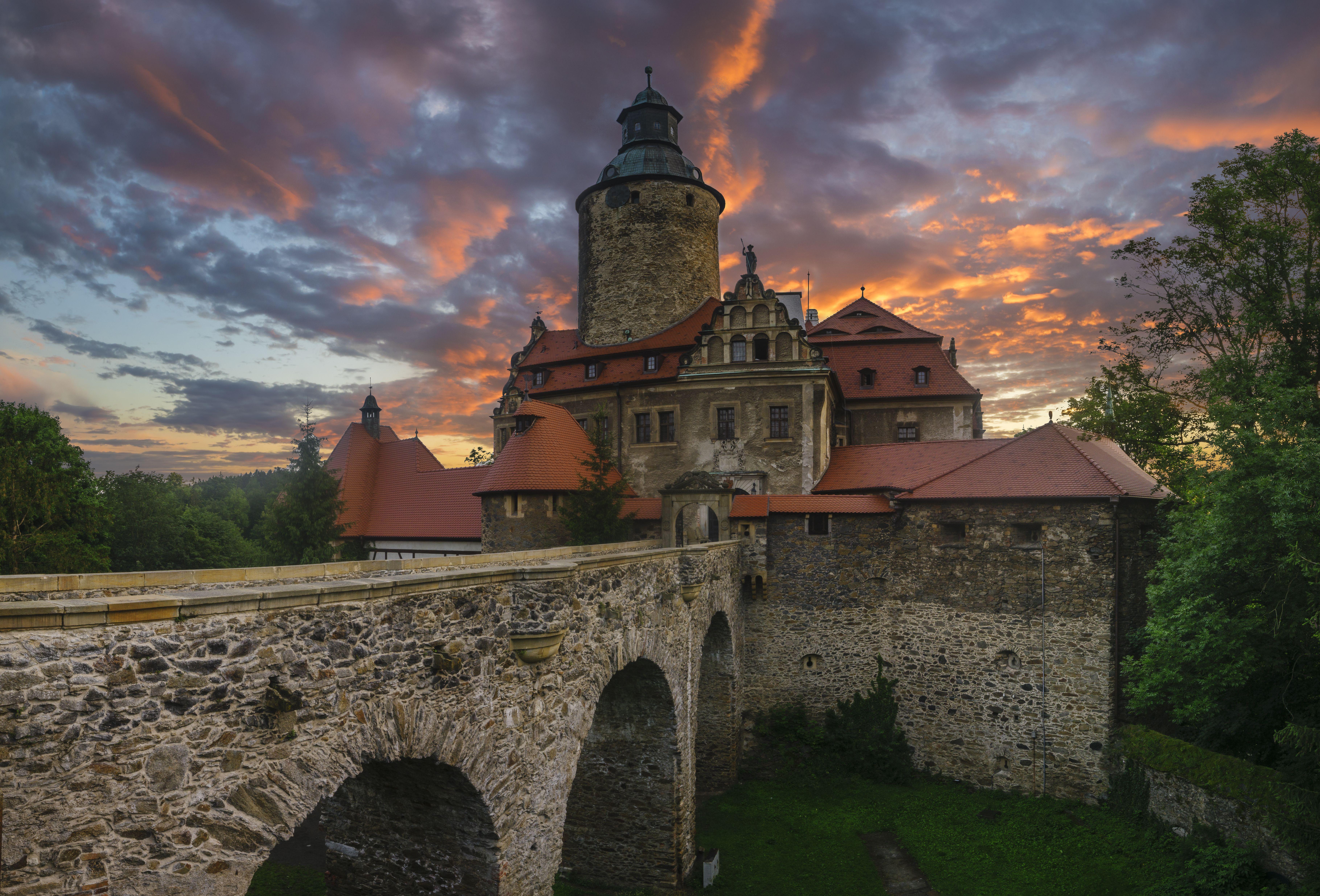 Zámek Czocha najdete v polském městě Sucha