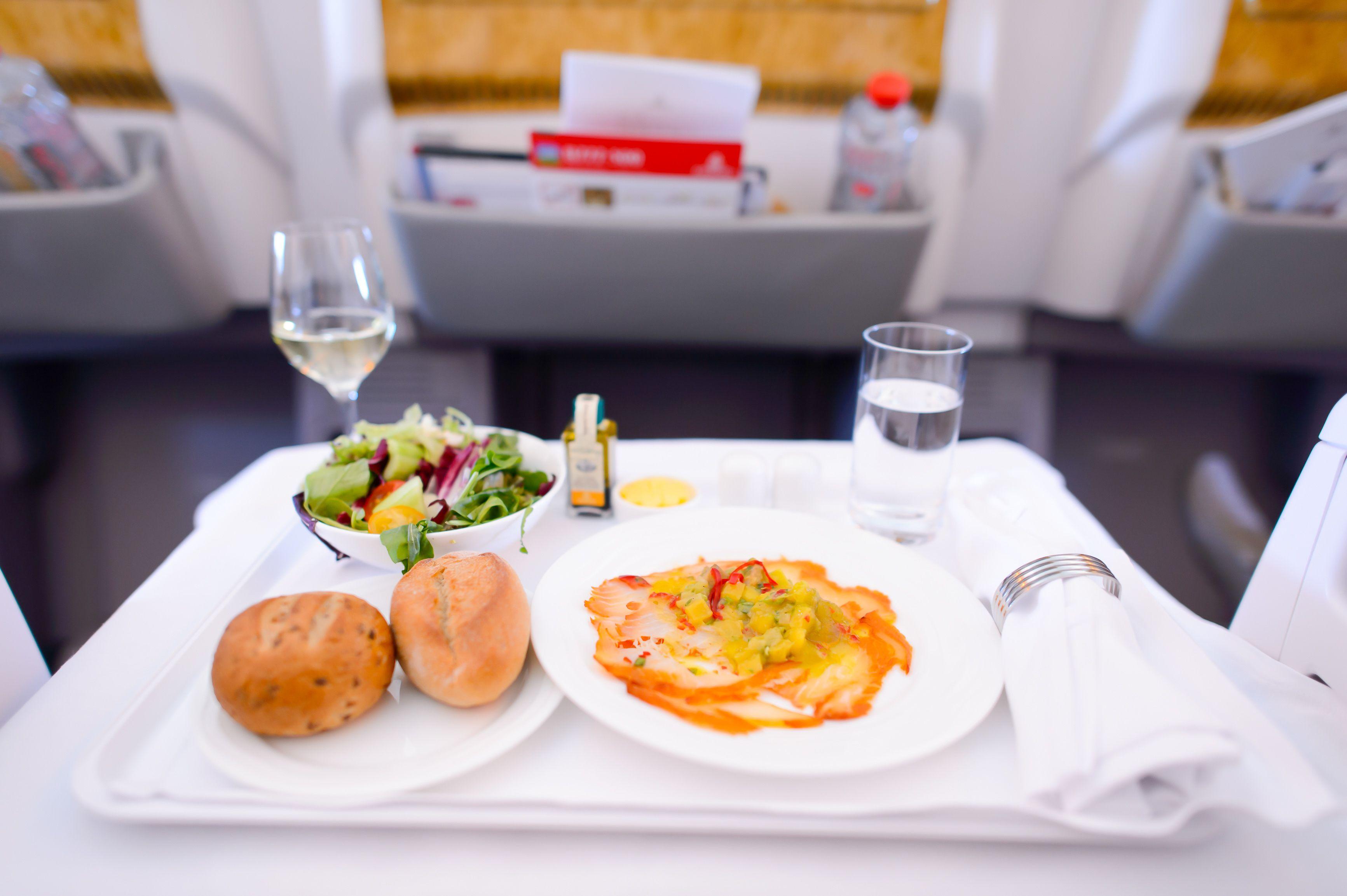 Letecká společnost Travel Service ruší bezplatné jídlo na letech do Egypta a na portugalskou Madeiru.