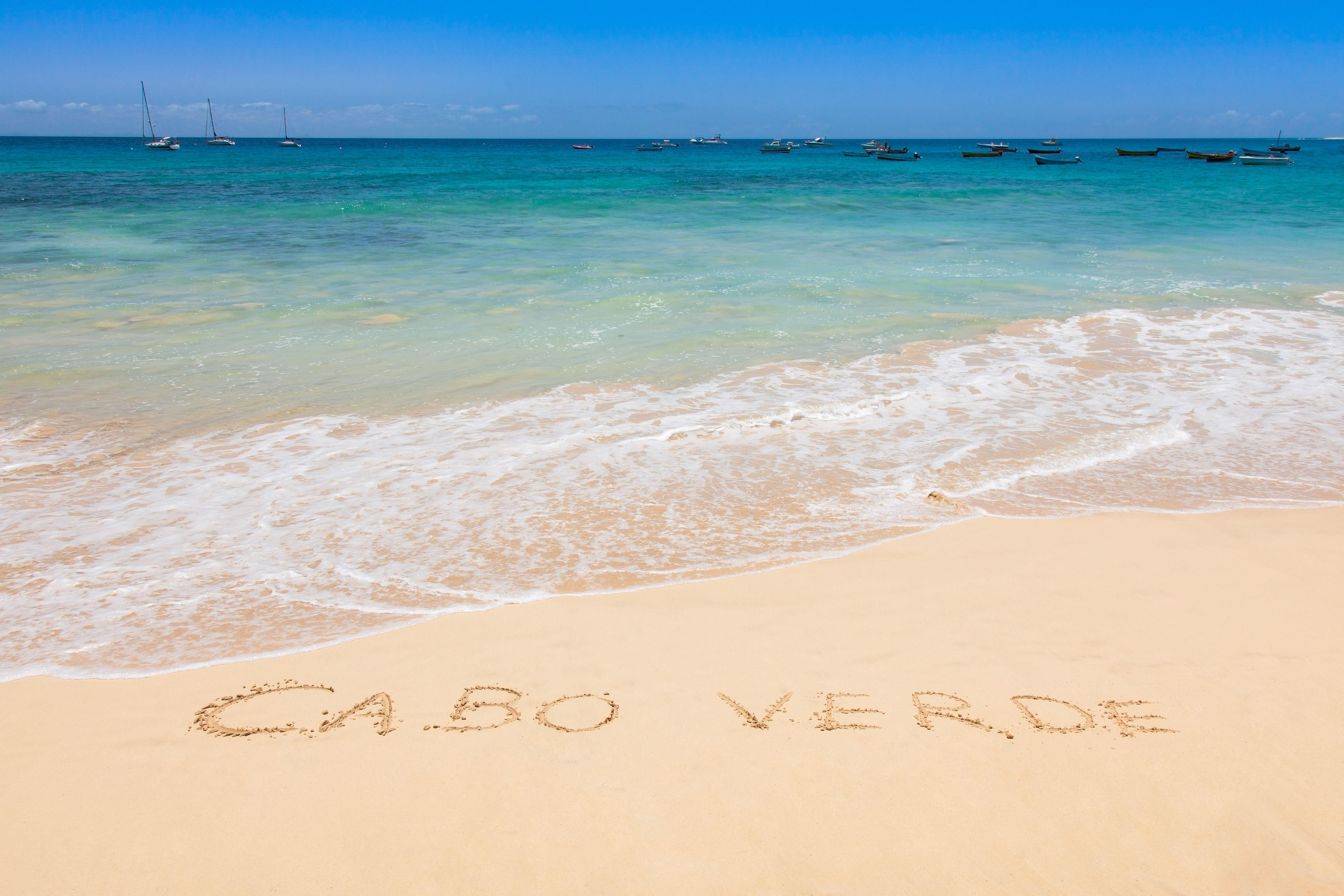 Jedna z nejkrásnějších pláží ostrova Sal – Santa Maria.