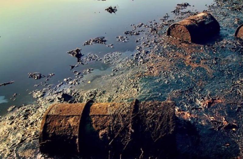 Jezero bylo znečištěno díky Stalinově touze po atomovce.