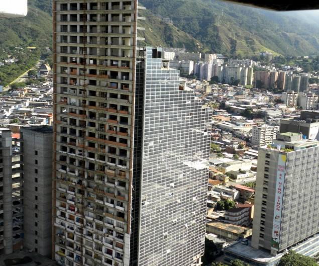 Developer projektu spáchal sebevraždu po vypuknutí ekonomické krize.
